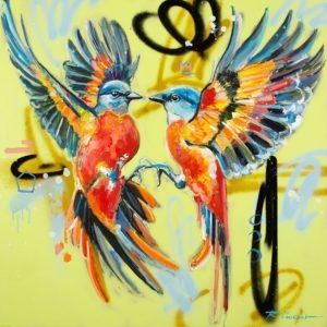 Couple birdy kiss